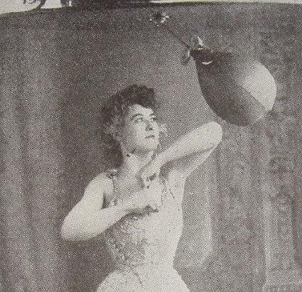 Female Boxing - Muay Thai Elbow
