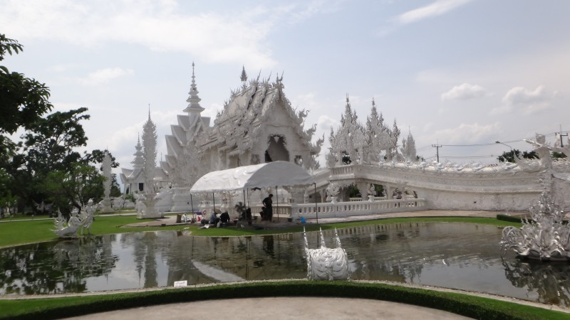 Long Shot Wat Rong Khun The White Temple