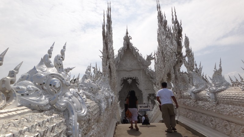 Temple Bridge - Wat Rong Khun The White Temple