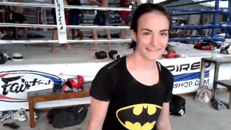 Sylvie von Duuglas-Ittu - Muay Thai - Elastic Band Training