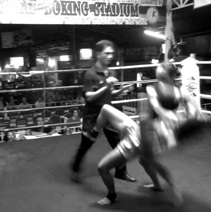 Gwangtong Phetriantong vs Sylvie von Duuglas-Ittu - Thapae Stadium - elbow