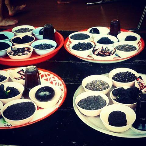 The 8 black food offerings of Pra Rahu - Wat Saman Rattanaram