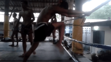 How to Practice Muay Thai Knees on the Rope - Sylvie's Tips
