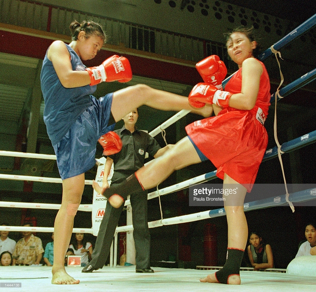 Paula Bronstein - female fighters Rangsit Stadium May 2000