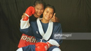 Soidao and Jaeda - Rangsit Stadium - May 2000