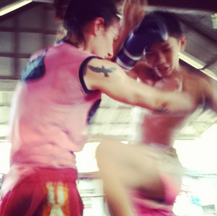 Sylvie Muay Thai - Clinching With Gloves