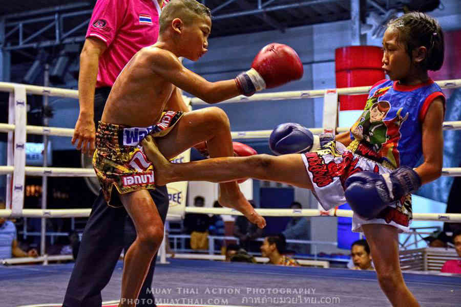 PhetJing Jang vs Gartoon - Boy vs Girl Fight Muay Thai-w1400