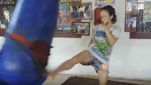 Bare-Fisted Training - Sylvie von Duuglas-Ittu Petchrungruang-001