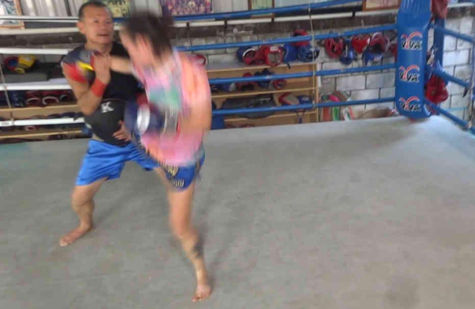 Arjan Surat - Dejrat Gym in Bangkok - Sylvie Kicks