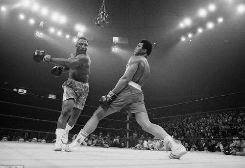 Muhammad-Ali-Madison-Square-Garden-boxin