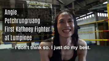 First Kathoey Fighter at Lumpinee - Angie Petchrungrung 2