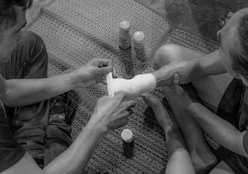Soft Wrap of Hands - Karuhat